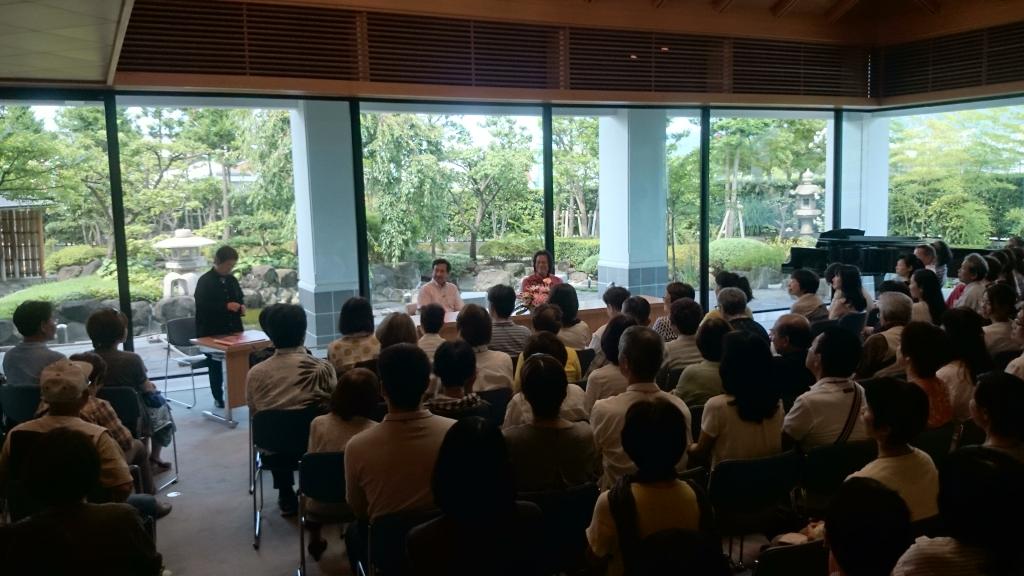 東大阪『名嘉睦稔の世界展〜風の伝言を彫る〜』作家来場イベント…